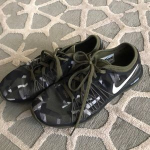 Good condition Nike dual fusion nit in camouflage